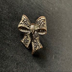 H&M Oversized Bow Cocktail Ring 🖤✨ Size 6